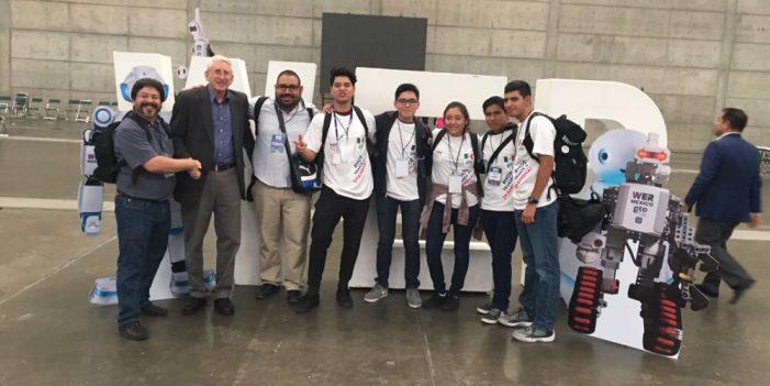Logran estudiantes de Cobach pase al Mundial de Robótica