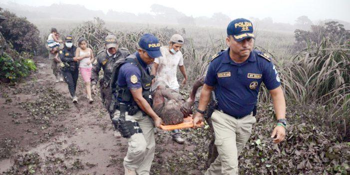 Al menos 25 muertos deja erupción del Volcán de Fuego