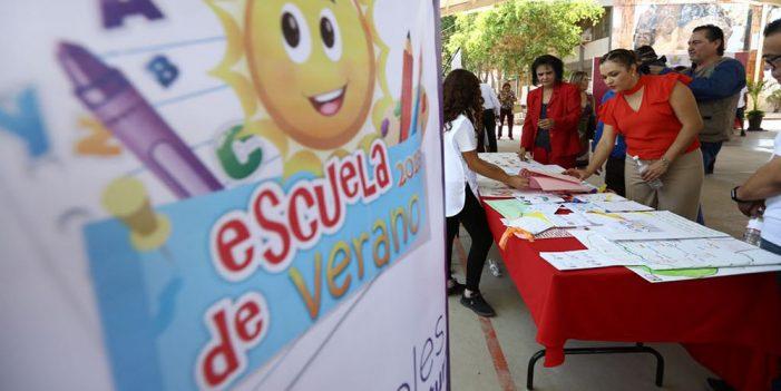 """Atiende SEC a 14 mil 500 estudiantes en """"Escuelas de Verano"""""""