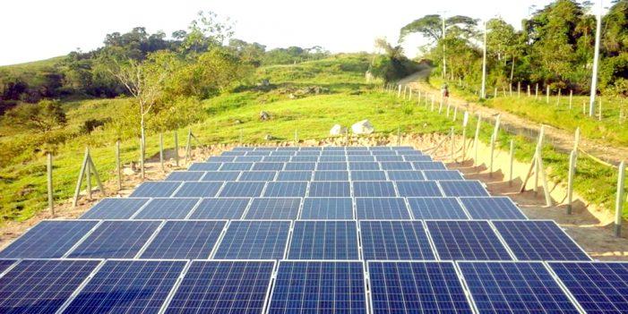 Desarrollan célula solar que establece récord en generación de energía