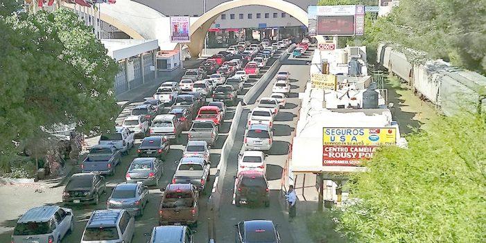 """Tráfico Internacional desquicia la """"Puerta de México"""""""