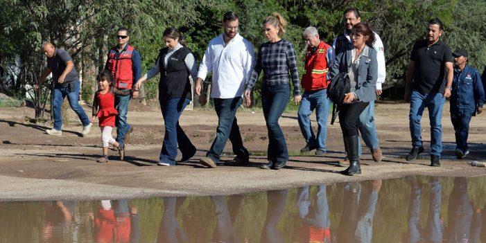 Recorre Gobernadora zonas afectadas por las lluvias