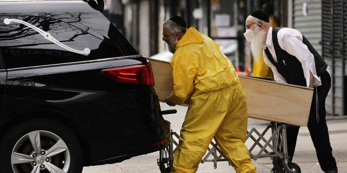 Nueva York alcanza nuevo récord de 799 muertes en un día