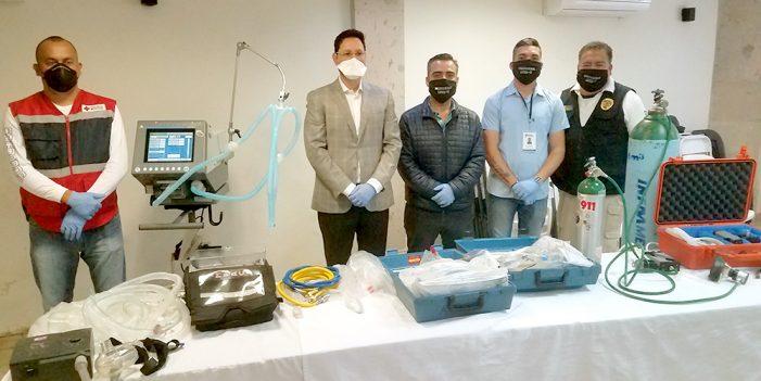 Entrega Kiko Munro dos ventiladores para respiración artificial
