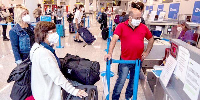 España impone cuarentena de 14 días a viajeros internacionales