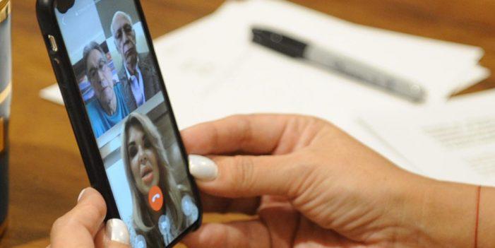 Asociación de bancos se compromete a gestionar solicitud de Gobernadora
